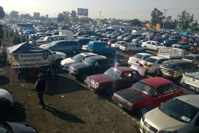 NEZAHUALCÓYOTL REUBICA TIANGUIS DE AUTOS – Fuerza Mexiquense